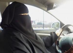 women-driving-ban-saudi-arabia-300x220